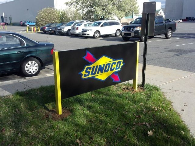 Exterior Sunoco sign