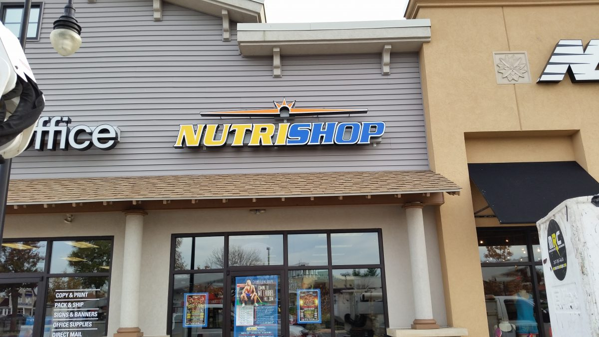 Channel Letters Nutrishop